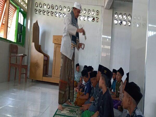 Acara ibdak Peuphon Kitab Santri Nuris Di Dayah Abu Lueng ie Ule Kareng Banda Aceh